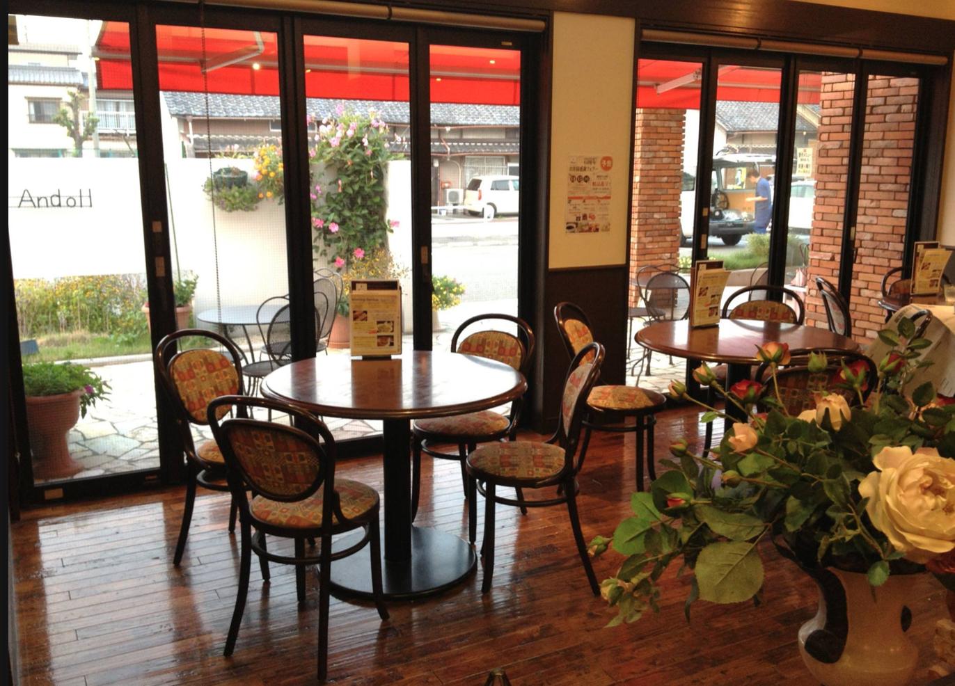 心ゆくまで苺を楽しむ。ド迫力の苺パフェ、名古屋西区の「Le Cafe Andoll」で連日完売中! - b7ed54c7ce89d5fb7498d47bc1c24bcb