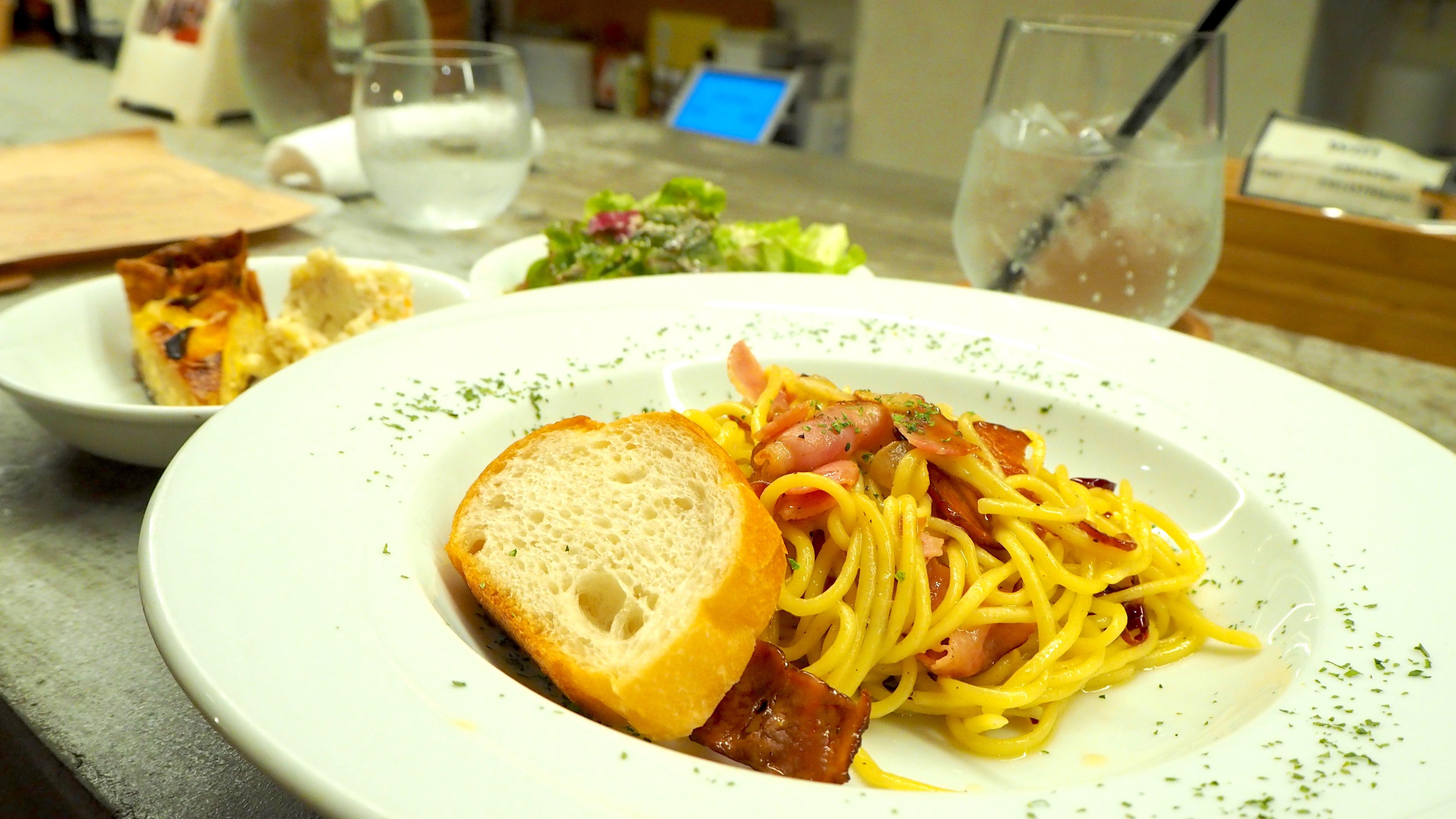 矢場町の隠れ家ビストロカフェ「tredi トレディ」の贅沢燻製ランチ - tredi2