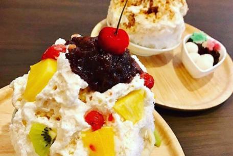 数時間待ちは当たり前!?見た目も味も極上のカキ氷を、岡崎市の専門店「六華亭」で味わう