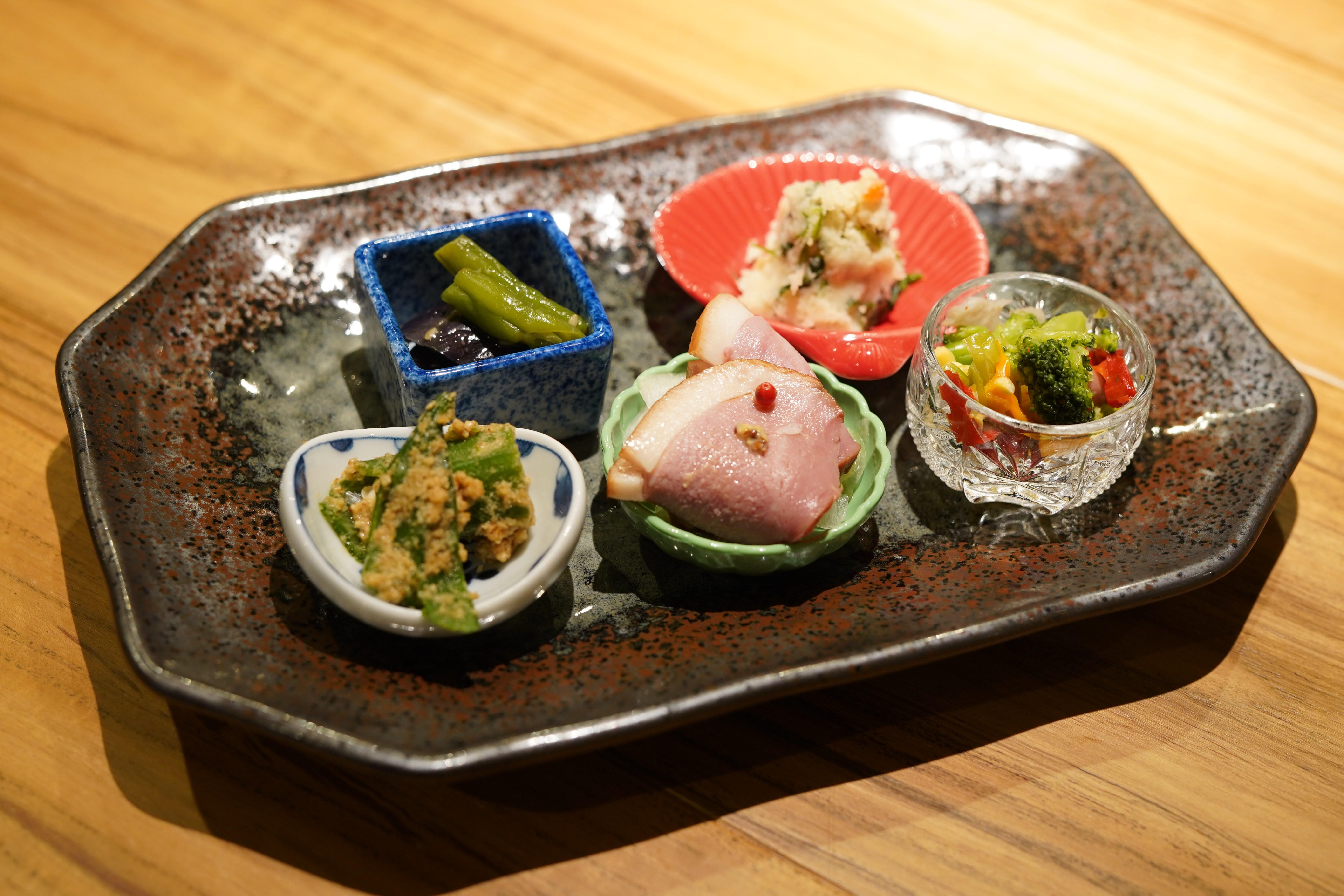 炉端料理と厳選日本酒の「べこや 本山店」が7月20日オープン! - DSC09013