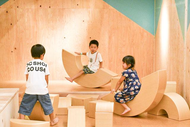 天然の木材で遊ぼう!リニューアルした岐阜「森のわくわくの庭」で五感を豊かに - image 1