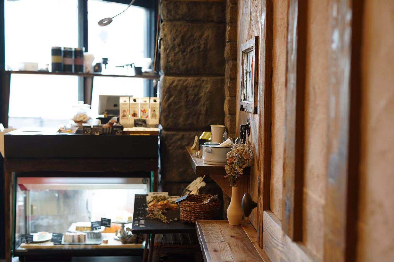「カンノンコーヒー本山」でほっと安らぐひと時を。スコーン食べ放題のモーニングもスタート! - kannon motoyama1