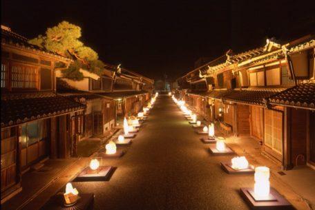 幻想的な町と灯りを楽しめる「美濃和紙あかりアート展」とは