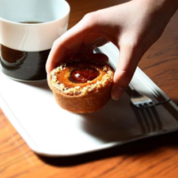 丁寧なタルトの時間を味わう、大須の「QO cafe air(キュームカフェ エア)」