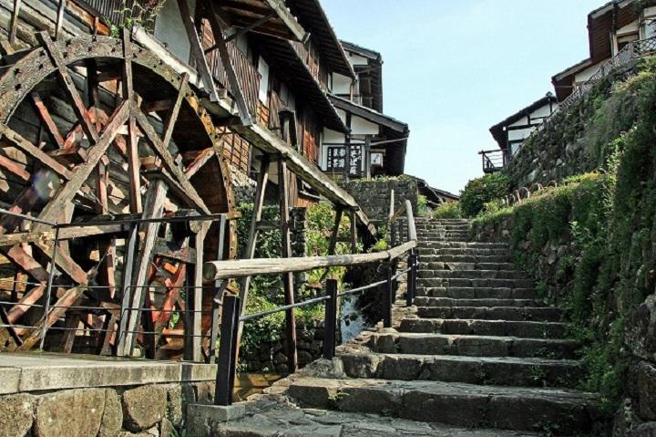 行灯に照らされる街道が美しい!秋の岐阜「馬籠宿場まつり」で歴史ある宿場町へ - masugata1