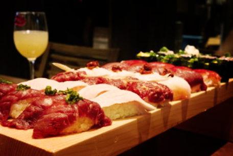 絶対美味しい、最強タッグ。極上の肉×寿司をお腹いっぱい食べられる「肉寿司 名古屋 名駅本店」