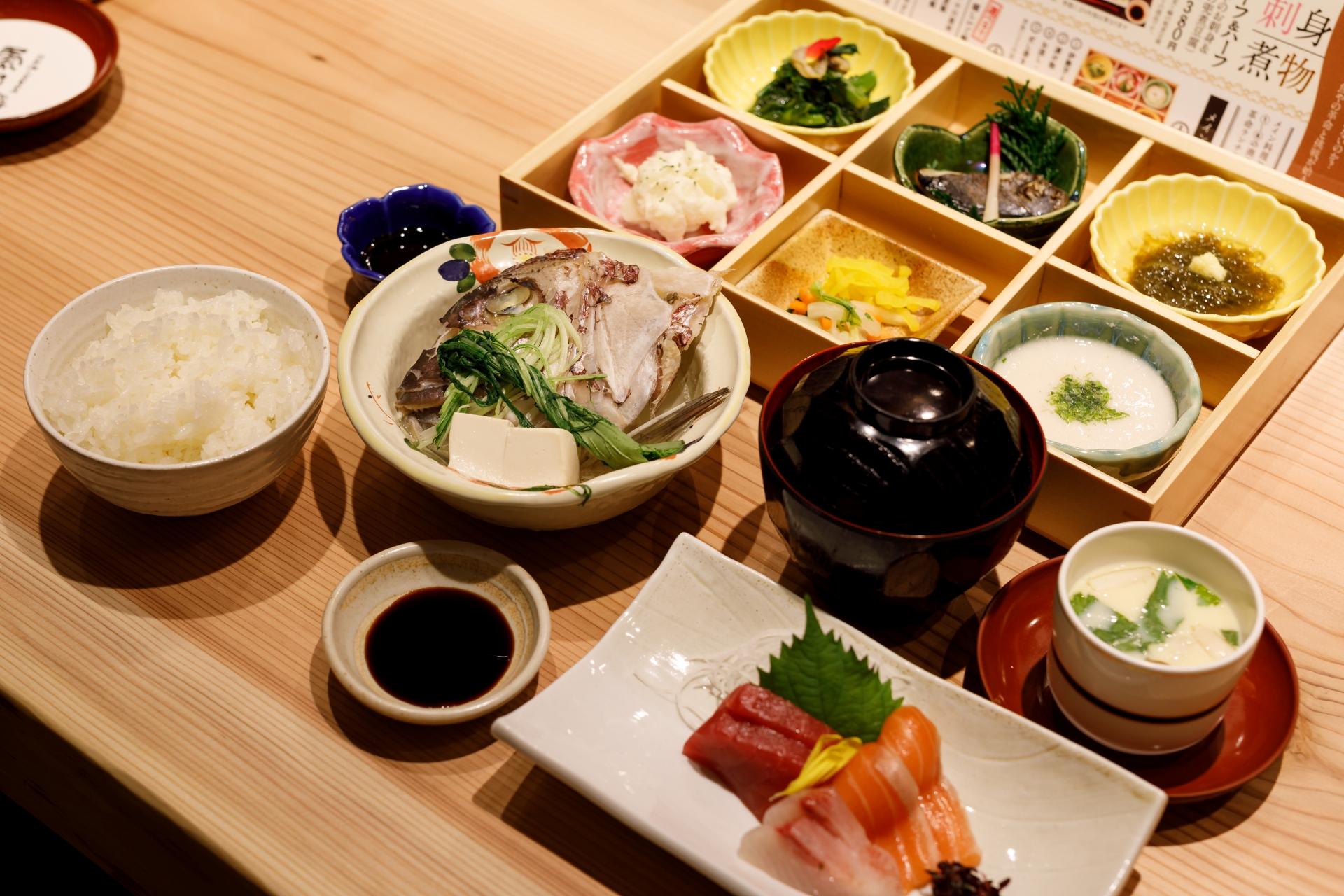 厳選和牛すき焼きをカジュアルに「月邸ト蕎⻨ SUKIYUNO」&絶品みえまぐろに舌鼓を打つ「日本酒とSAKANA 魚や」 - MG 2062
