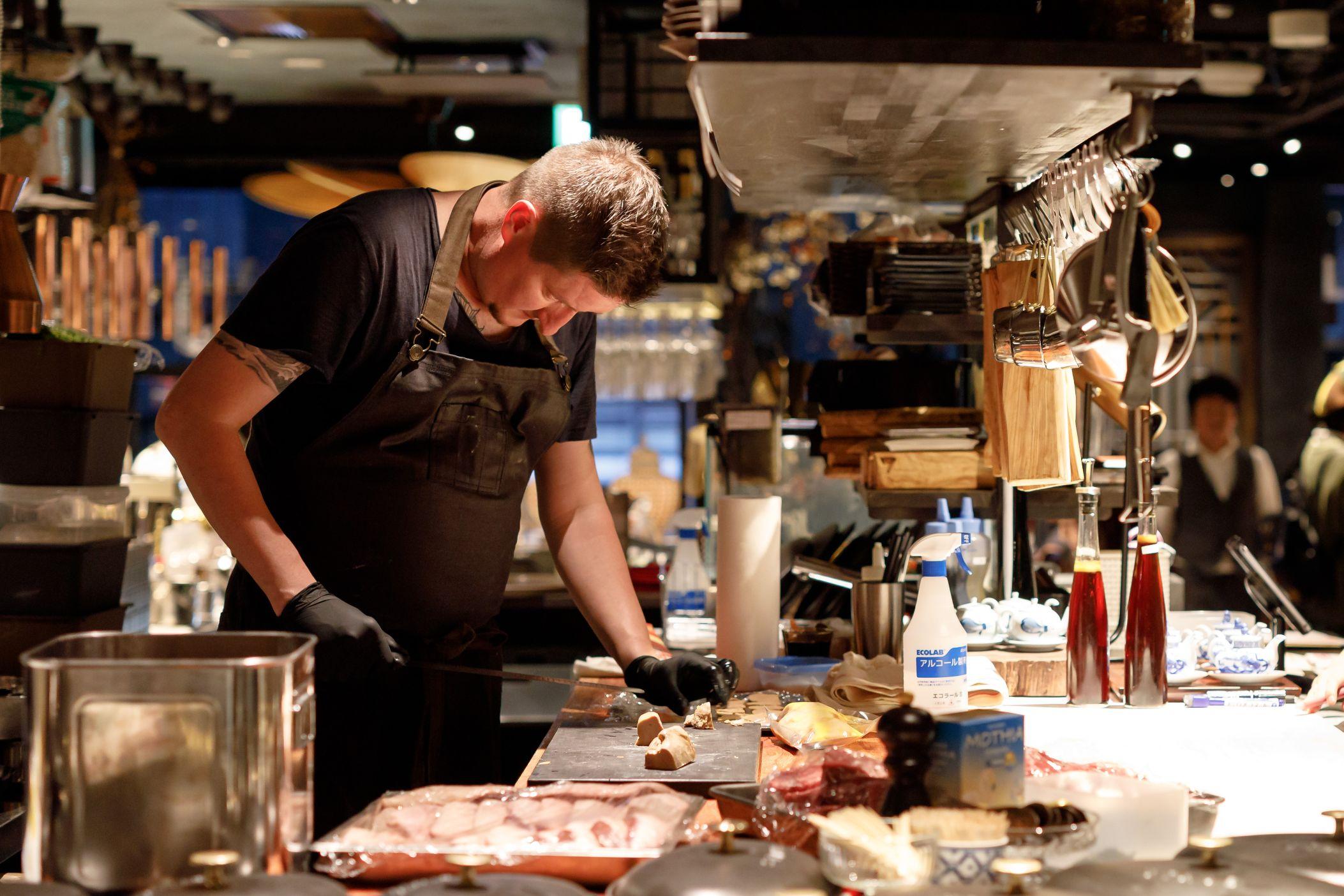 香ばしい炉端焼きでもてなす「ろばたの魚炉米」&4ジャンル超えた料理を楽しむ「GRAND KAZAN ~グランカザン~」 - MG 2181 1