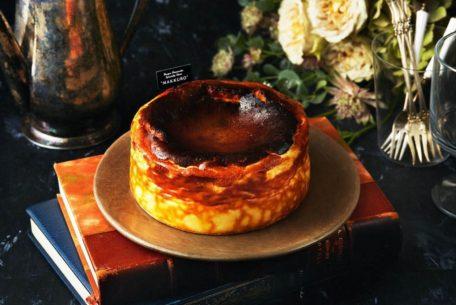 名古屋駅近くに話題のスイーツ・バスクチーズケーキ専門店「MAKKURO(マックロ)」がオープン