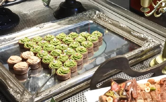 こだわり食材やホテル発祥のスイーツでおもてなし!「ヒルトン名古屋」でクリスマスビュッフェ開催中 - 0722c9a9250627337a9538443dd5f504