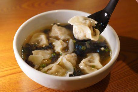 新栄の中華居酒屋「吉翔」で、本場のワンタンスープを手軽にお腹いっぱい楽しもう!