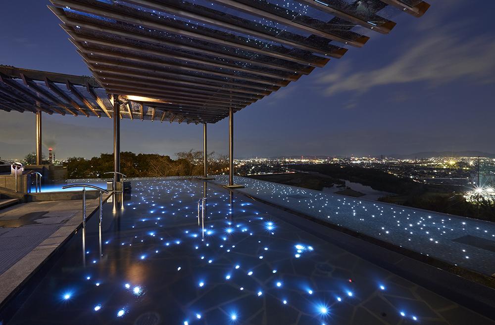 まるでリゾート地のような癒しの空間。「天空スパヒルズ 竜泉寺の湯」の人気の秘密とは - c30d6c5ffcce238b1681ff5187a2a50f