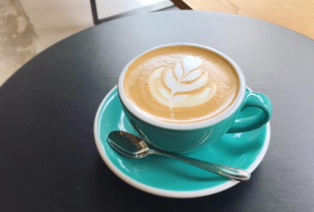 オンの日もオフの日も通いたい。平針にある「BENCH COFFEE STAND(ベンチコーヒースタンド)」 - 4567890