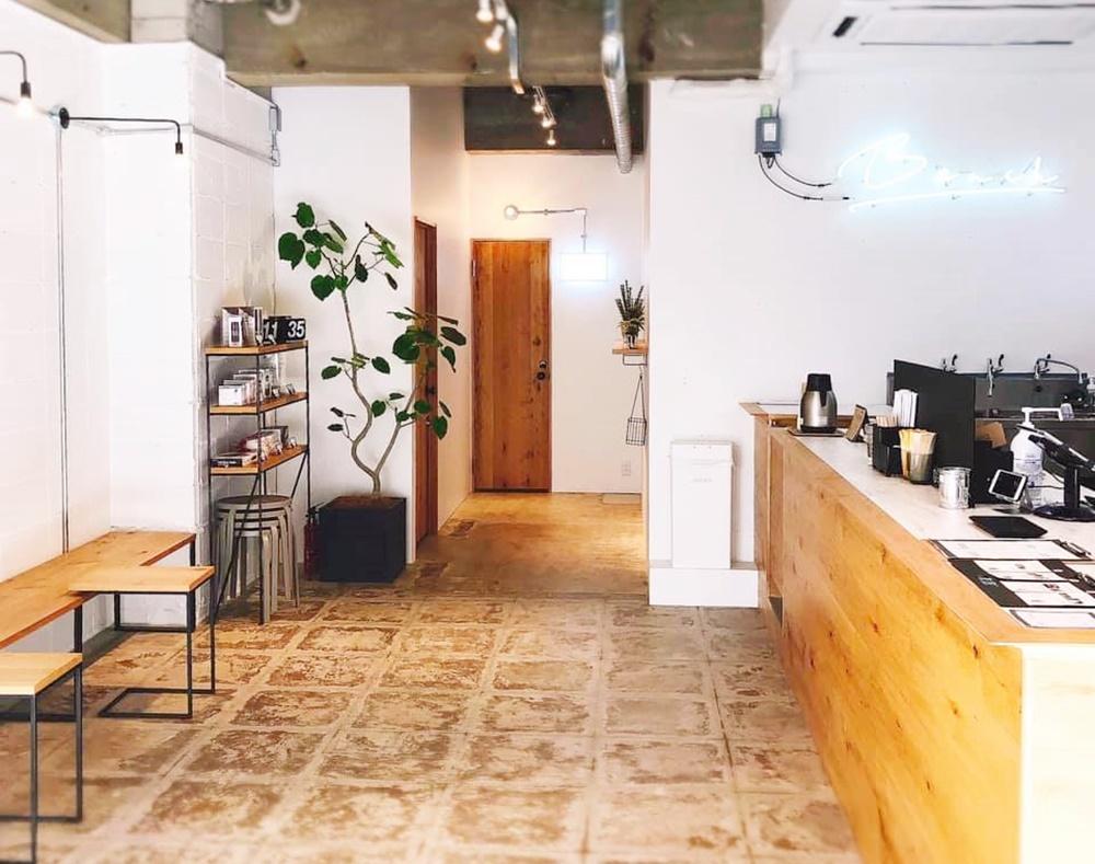 オンの日もオフの日も通いたい。平針にある「BENCH COFFEE STAND(ベンチコーヒースタンド)」 - 45w32