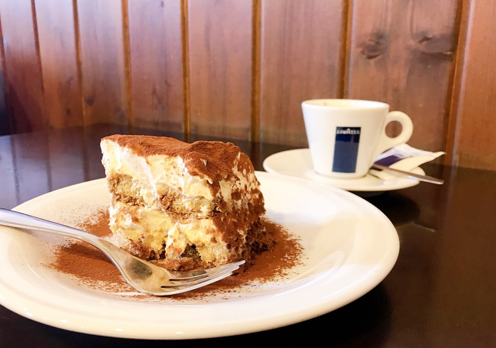 イタリア人シェフお手製のティラミスが絶品の「Caffe Maggiore(カフェ マッジョーレ)」