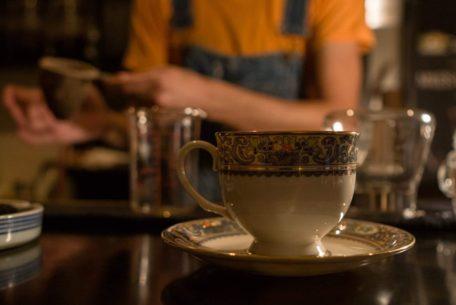 時間を気にせず至極の一杯を。ネルドリップを楽しむ「珈琲屋Monk」
