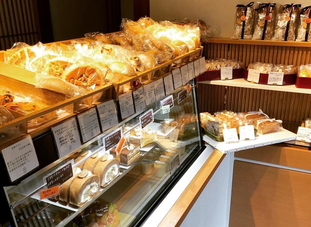 日本家屋で姉妹が営む「季節の洋菓子と天然酵母パン あおい」で、旬の素材を味わう - tw