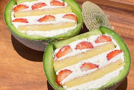 割って驚きの断面スイーツ、ボンカフェの「メロンボックス」ケーキ
