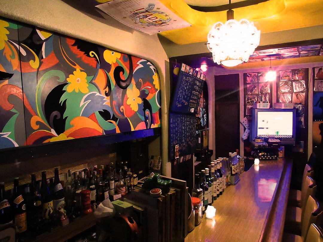 名古屋・栄に新オープン!オムライス×クリームソーダが楽しめる隠れ家店「バッチグー!」で幸せを食べてきました - mise