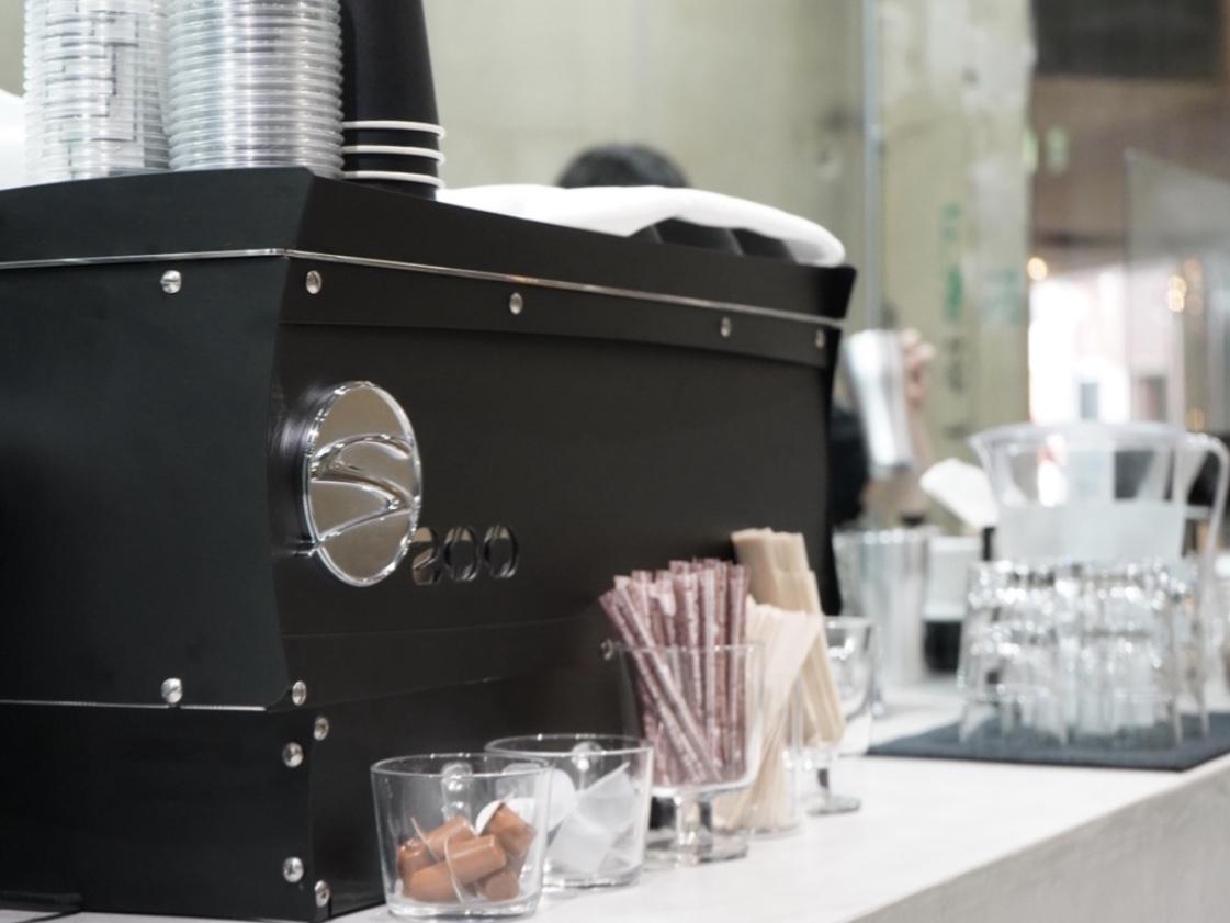 思わず長居してしまう!栄の中心地に隠れたコーヒースタンド「zero coffee stand」 - E4DD695D 11EE 414D 9995 2D1D0BF229CE