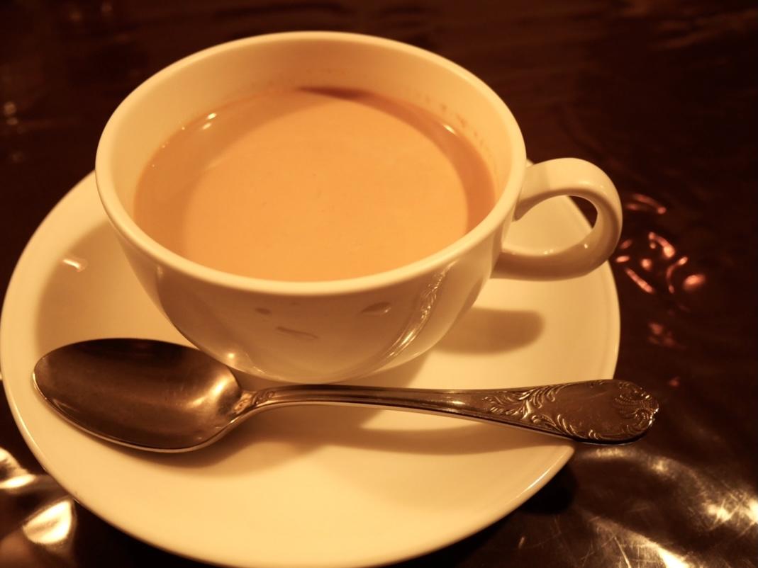老舗「えいこく屋インド料理店」はカレーだけじゃない!紅茶を片手に、雰囲気の良さに酔いしれる - 248F0D68 0119 4553 955F AABE5D85FC1D