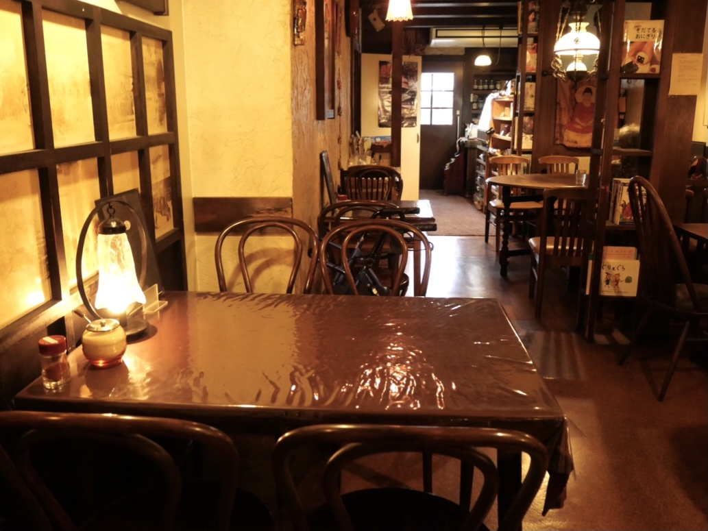 老舗「えいこく屋インド料理店」はカレーだけじゃない!紅茶を片手に、雰囲気の良さに酔いしれる - 8F10B165 D47B 4CAF B3F7 2944371D5CF2
