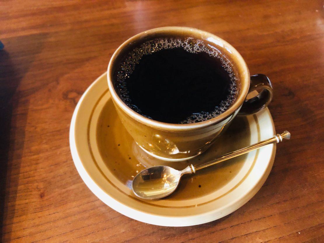 上質なモーニングから始めよう。亀島「コーヒーと本とレコードの店 リトルトリー」 - image from ios 1110x833