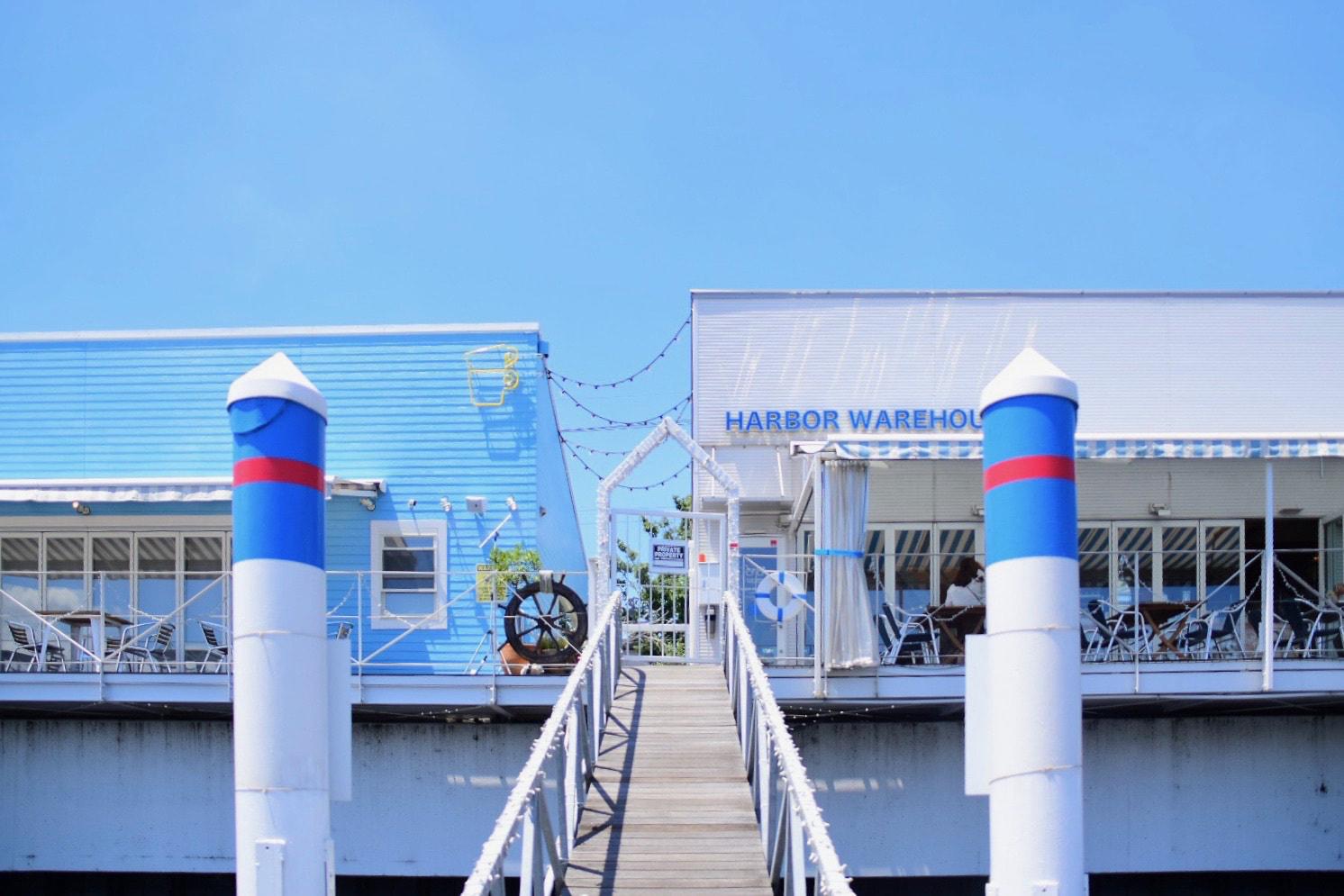 水辺のテラスでフォトジェニックなメニューを堪能!「THE CUPS HARBOR CAFE」 - HARBOR CAFE