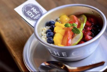 プルプル食感がたまらない!話題の台湾スイーツ、豆花(トウファ)が味わえる「THE CUPS SAKAE」
