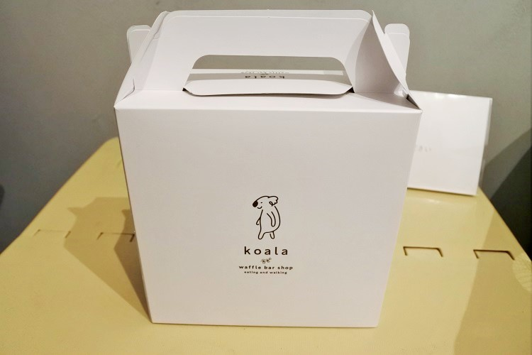 日本初の揚げワッフルバーを、食べ歩きや手土産に!「ワッフルバー専門店 こあら」 - 231206dd93ae98fc432839da2713a282