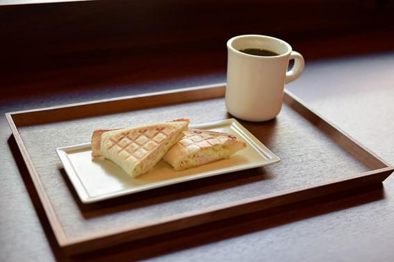 本屋とカフェが一体に!幸せ空間で本と出会う、新栄町「CENTRE(センター)」 - 695e432aa0b80e914efae12cd0be2a70