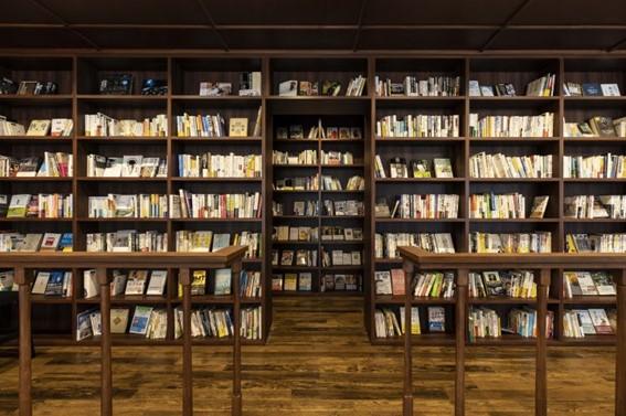 本屋とカフェが一体に!幸せ空間で本と出会う、新栄町「CENTRE(センター)」 - 7d6fddc4d5f4457e598413974089fe73