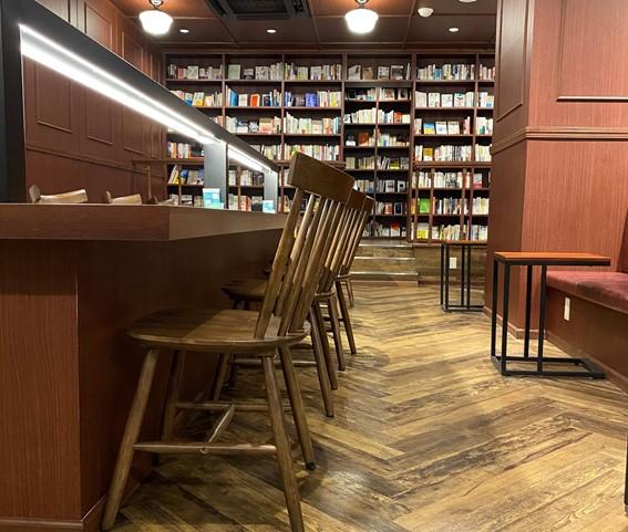 本屋とカフェが一体に!幸せ空間で本と出会う、新栄町「CENTRE(センター)」 - cbf5b9f60da99bf791c0aa12a770f429