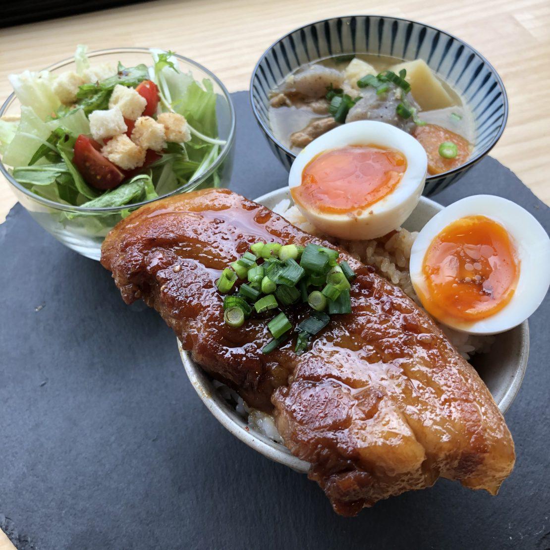 金山で絶品豚肉料理を味わう!「PORK STAND 3PIG(スリーピッグ)」