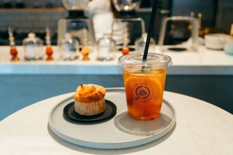 紅茶と日本茶が楽しめる、新感覚のティースタンド「trive cafe sakae」