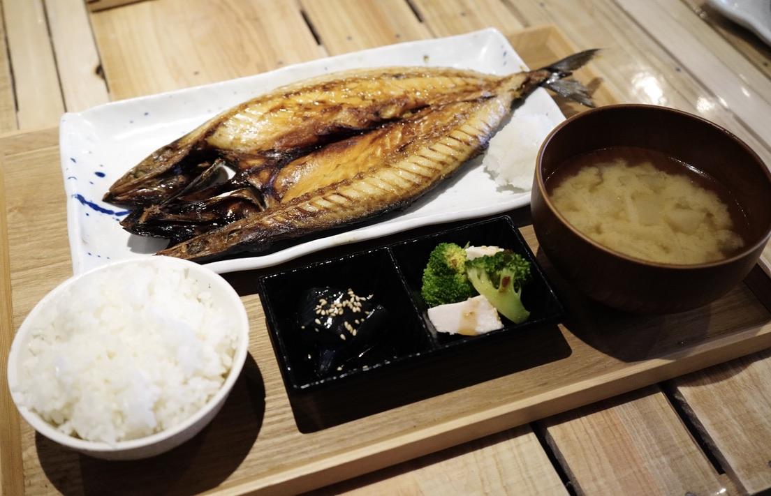 名古屋駅近くの「うまい魚が食べたくて」でボリューミーで美味しい干物定食を! - 0CA0B132 FBD8 4AD3 9AB0 0541BF1A815C 1 105 c