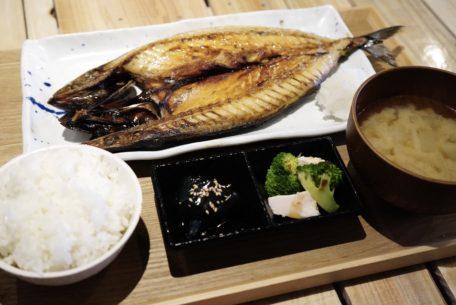名古屋駅近くの「うまい魚が食べたくて」でボリューミーで美味しい干物定食を!