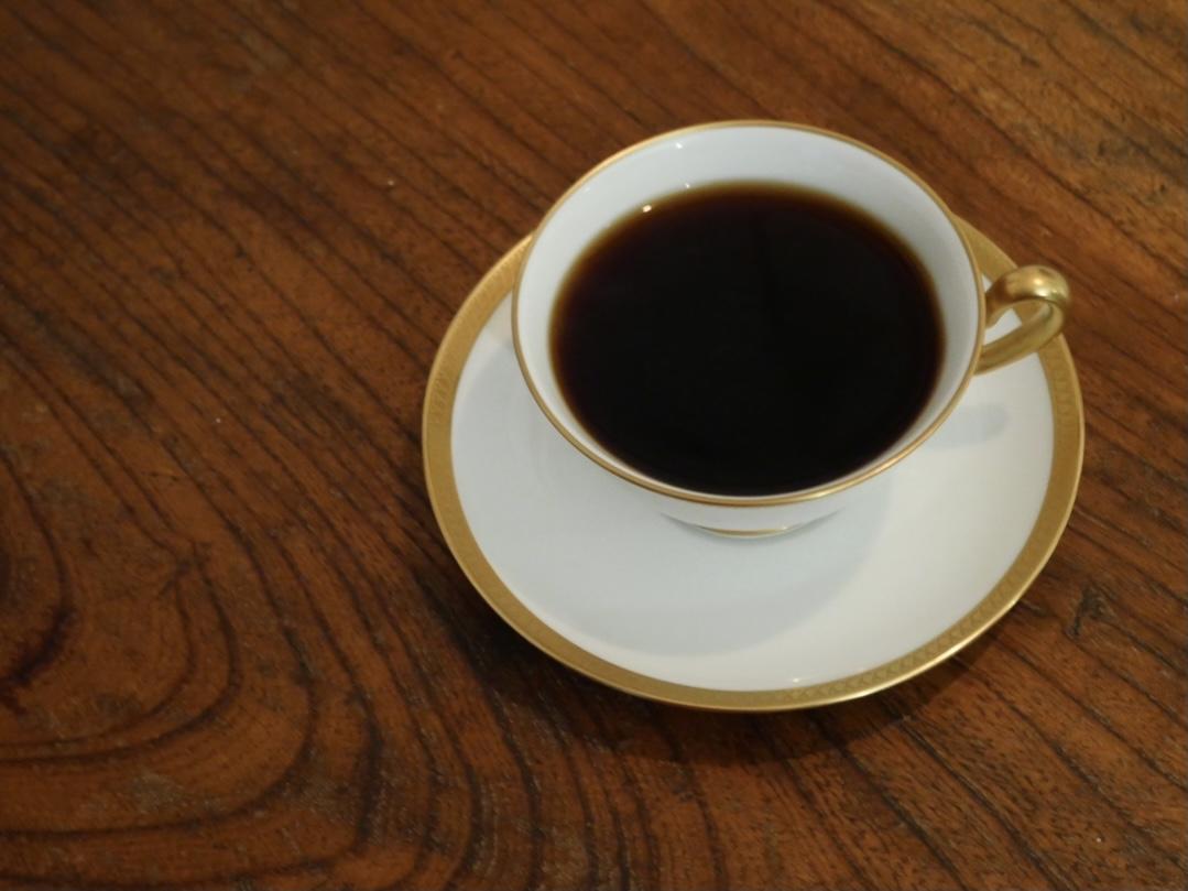 花屋の2階に隠れたカフェ「白枦」で美味しいひとときを。至れり尽くせりランチコース - 492DD234 9AA5 4C32 B941 546D6A1F5CDC