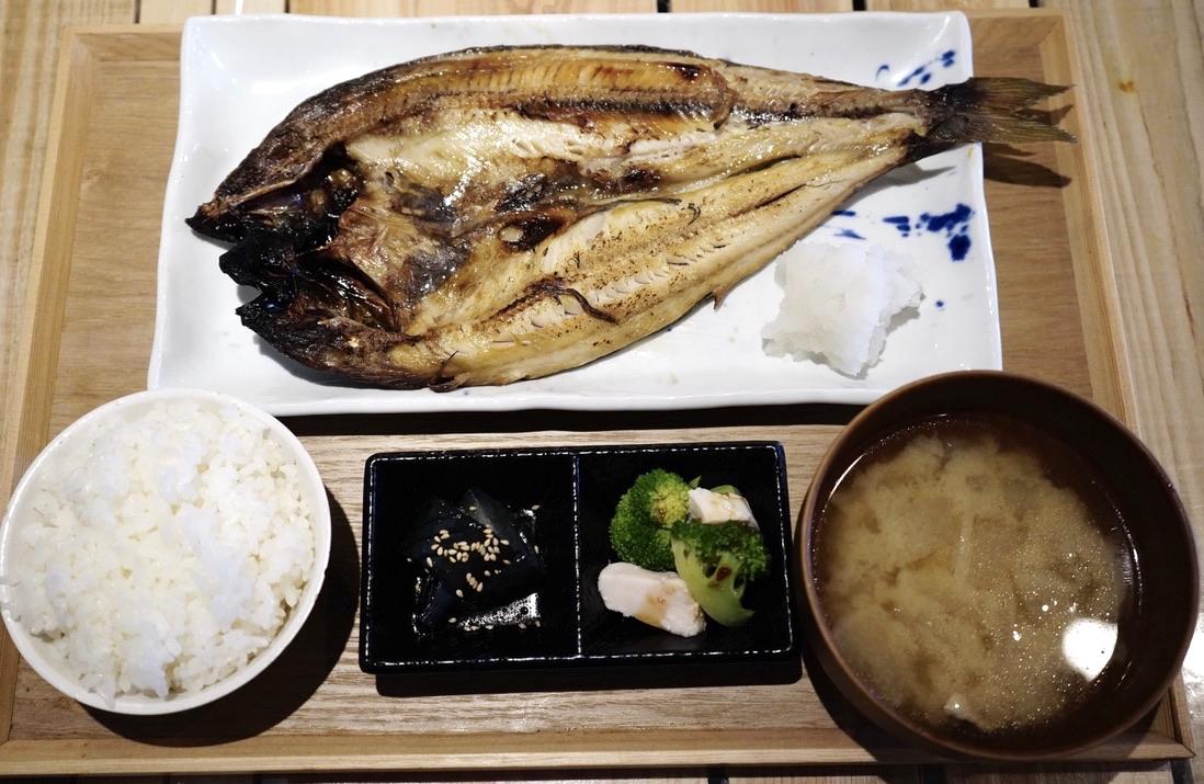 名古屋駅近くの「うまい魚が食べたくて」でボリューミーで美味しい干物定食を! - 723b79efb045730b0bf71064adbee7c9