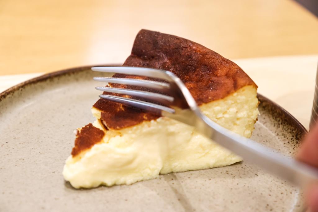 素材と食感を楽しむ贅沢な「ジェローム・バスクチーズケーキ」が期間限定で大名古屋ビルヂングに登場! - IMG 4129