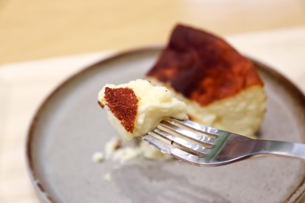 素材と食感を楽しむ贅沢な「ジェローム・バスクチーズケーキ」が期間限定で大名古屋ビルヂングに登場! - IMG 4131 1