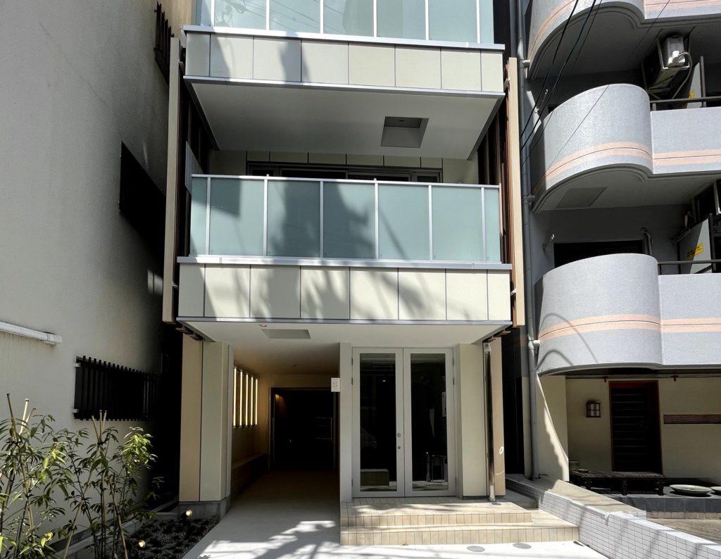 非日常空間を楽しめる宿泊施設「SEVEN STORIES」が名古屋駅近くに誕生 - b09dd356f1bdc6edd779044adf95ab07 1