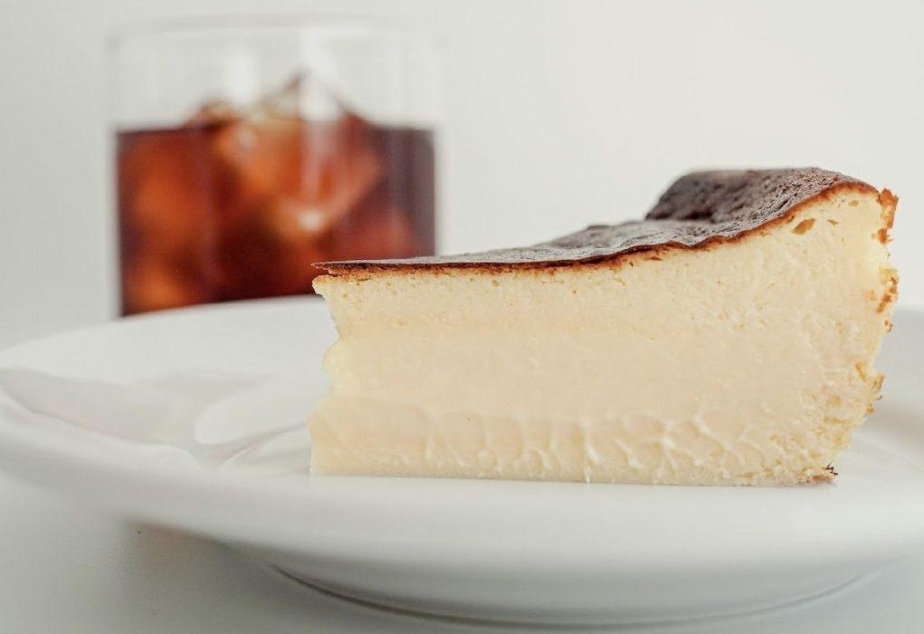 素材と食感を楽しむ贅沢な「ジェローム・バスクチーズケーキ」が期間限定で大名古屋ビルヂングに登場!