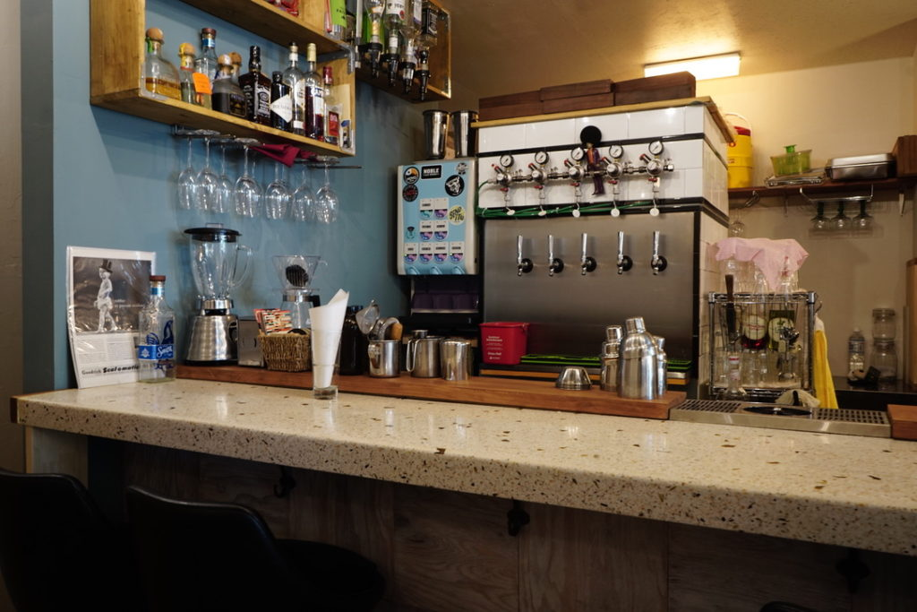 大須観音駅近くの「IN THIS FLAVOR」は、アメリカンな空間!食事とお酒でカジュアル大人タイムを - 80a5a94fad8b64c4f0af5fd919d272fc
