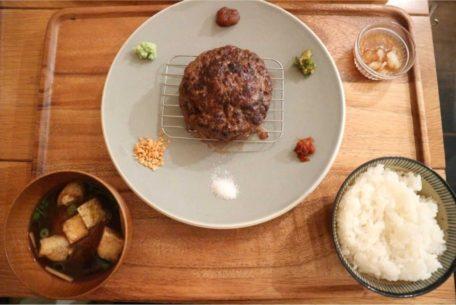 挽き肉料理の魅力を味わい尽くす!栄にある話題の定食カフェ『挽き肉のトリコ』