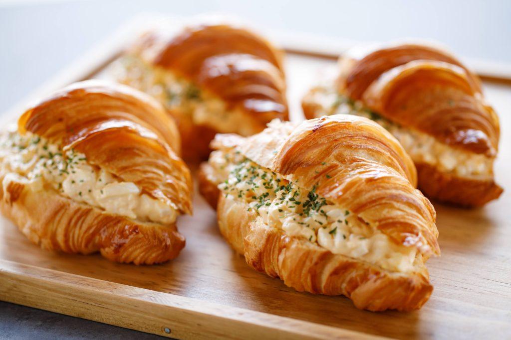 「パリ、サク、ふわっ」クロワッサンが奏でる贅沢なハーモニー。栄の本格クロワッサン専門店『JoliCroissant(ジョリークロワッサン)』 - IM5 0305
