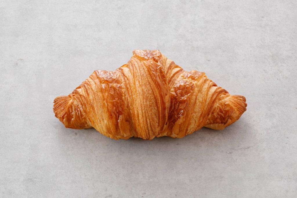 「パリ、サク、ふわっ」クロワッサンが奏でる贅沢なハーモニー。栄の本格クロワッサン専門店『JoliCroissant(ジョリークロワッサン)』 - IM5 2273